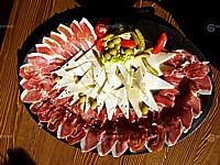 Dalmatyńskiej szynką i serem