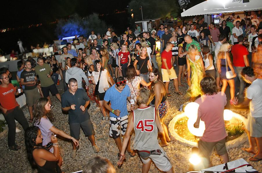 Yolo Beach Bar